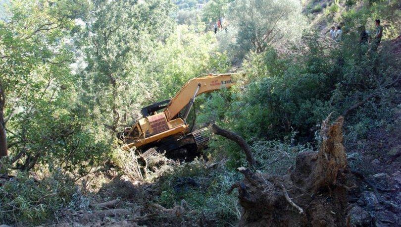 Antalya'da uçuruma yuvarlanan kepçenin operatörü hayatını kaybetti