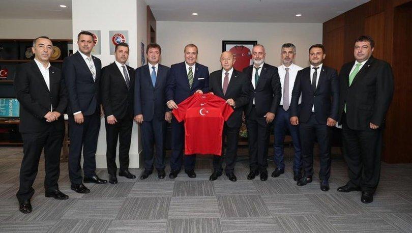 Bursaspor Başkanı Erkan Kamat, TFF Başkanı Nihat Özdemir'i ziyaret etti