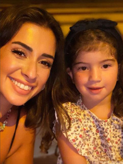 Buse Terim ve Volkan Bahçekapılı kızlarıyla tatilde - Magazin haberleri