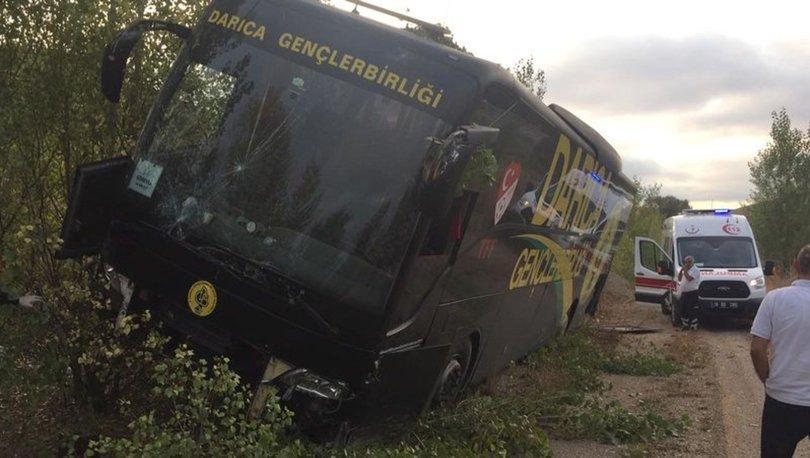 Darıca Gençlerbirliği'nin otobüsü kaza yaptı
