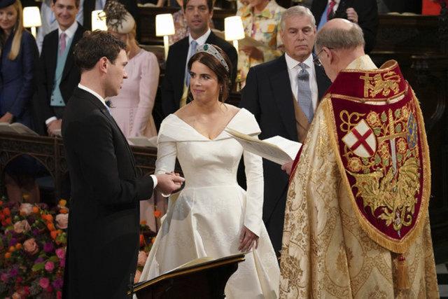 İngiliz Kraliyet Ailesi'ne bebek geliyor