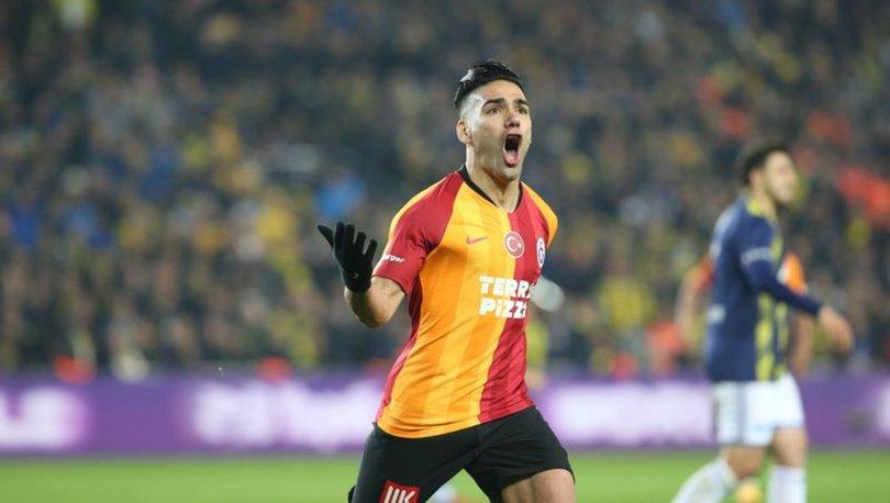 Galatasaray - Fenerbahçe derbisinde goller yabancılardan