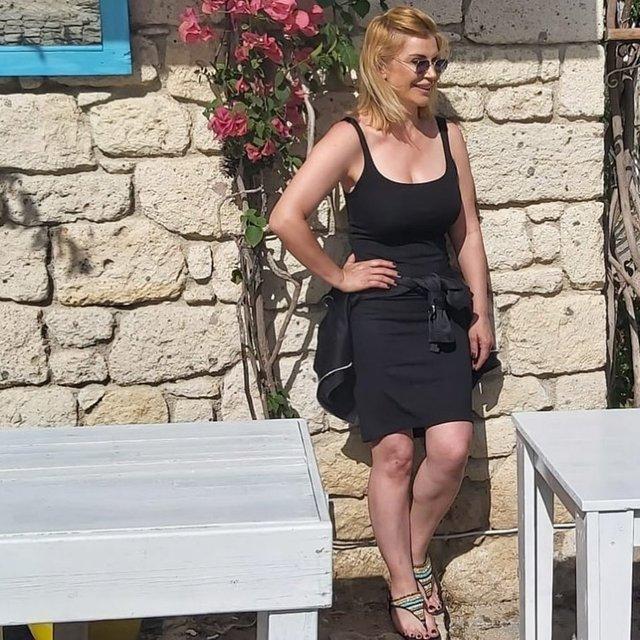 Songül Karlı'dan bikinili poz - Son dakika Magazin haberleri
