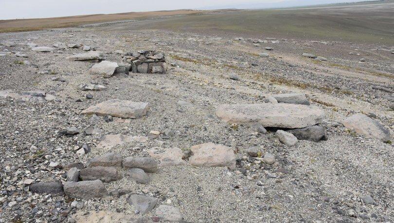 Arpaçay Barajı'nda su seviyesi düşünce insan kemikleri çıktı! - Haberler