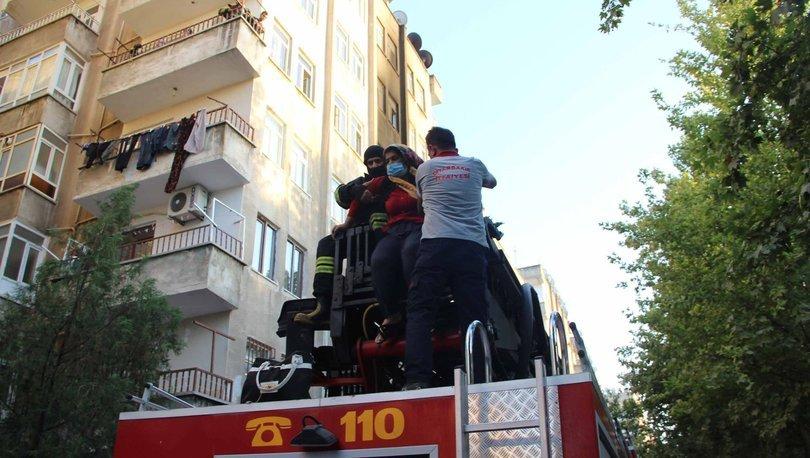 Son dakika haberi! Dördüncü kattaki yangında mahsur kaldılar!
