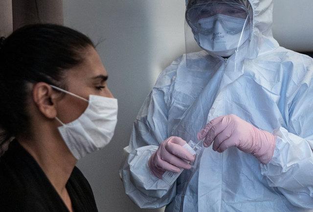 Son dakika haberler! Koronavirüsün bir belirtisi daha çıktı!