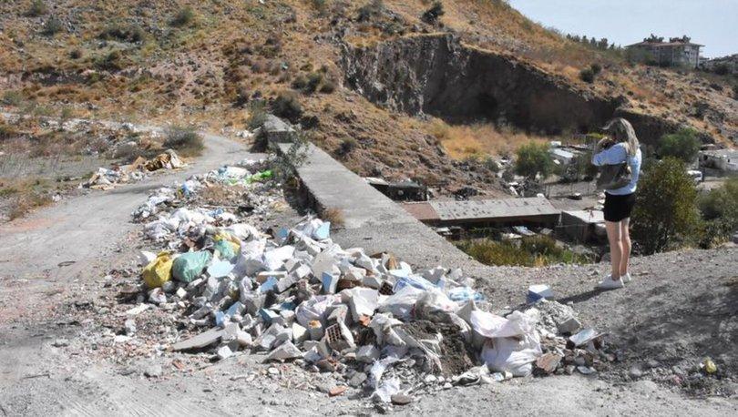 Son dakika haberi... Bornova'da tepki çeken moloz ve çöp dağları