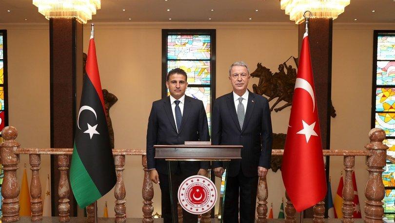 Milli Savunma Bakanı Hulusi Akar, Libya Savunma Bakanı Selahaddin Namroush ile görüştü