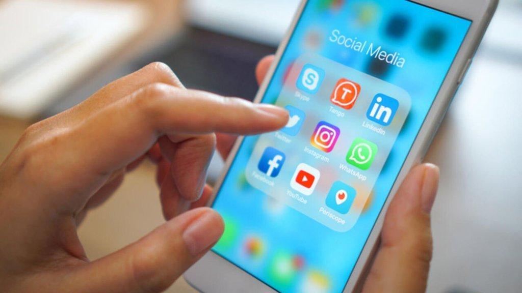 Sosyal medya devlerine 1 ay süre