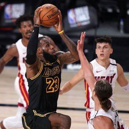 NBA finalinde Lakers, 2-0 öne geçti