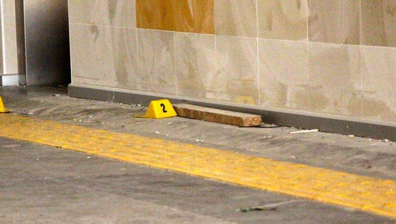 DEHŞET! Son dakika! Karaköy'de yaşandı! 5 lirayı beğenmeyince kalasla saldırdı! - Haberler