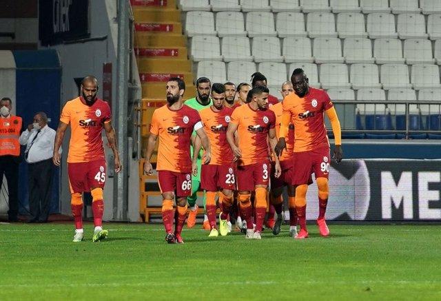 Son dakika Galatasaray transfer haberleri - 2 isim için yoğun temaslar sürüyor