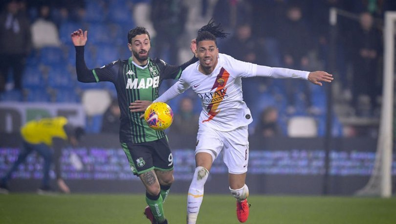 Roma, 15 milyon Euro'ya Smalling'in bonservisini aldı