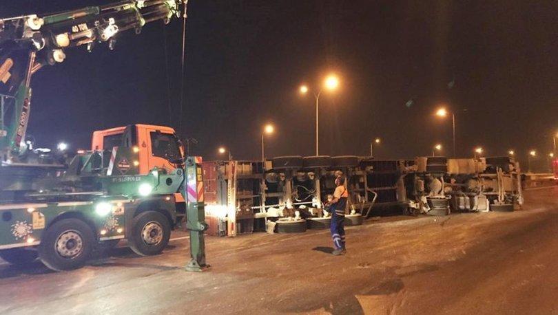 Avcılar TEM Otoyolu'nda TIR kazası