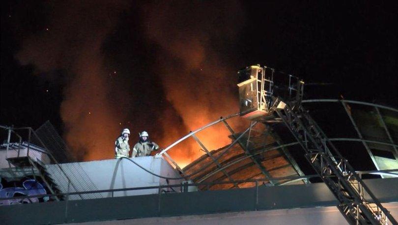 Zeytinburnu'nda çorap atölyesinde yangın