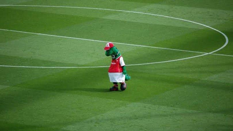 Mesut Özil, işten çıkarılan Arsenal maskotunun maaşını karşılamak istiyor