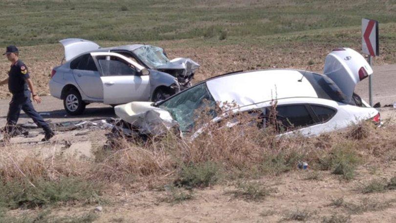Adana'da iki otomobil kafa kafaya çarpıştı: 3 ölü, 1 yaralı