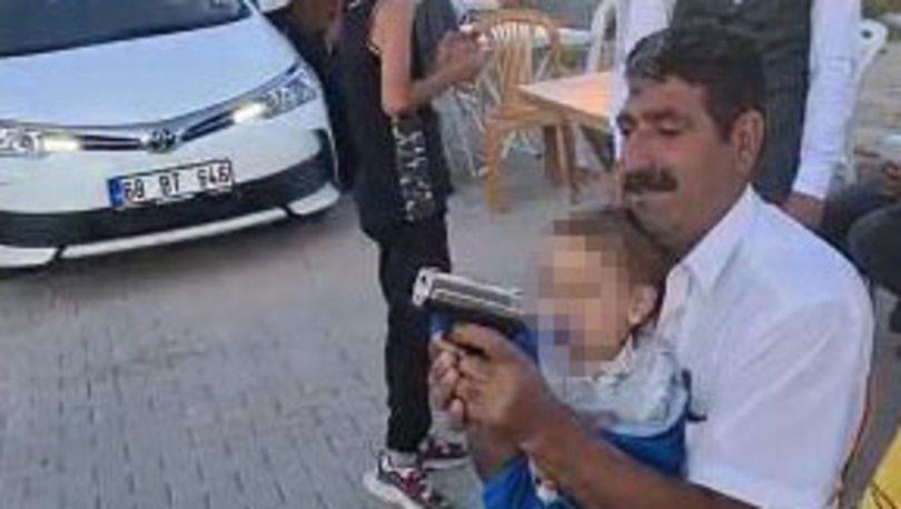 Son dakika: İki yaşındaki torununa silahla ateş ettirdi!