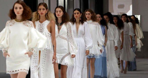 Sanal 'Fashion Week İstanbul' başladı!