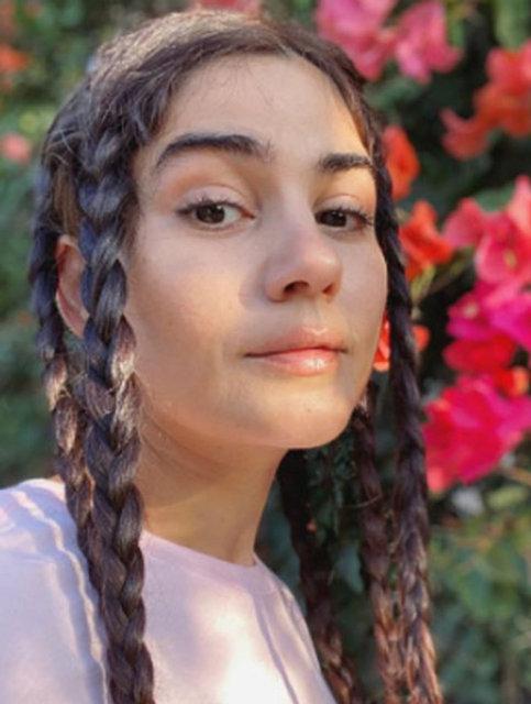 Zeynep Çamcı'dan Rihanna paylaşımı - Magazin haberleri