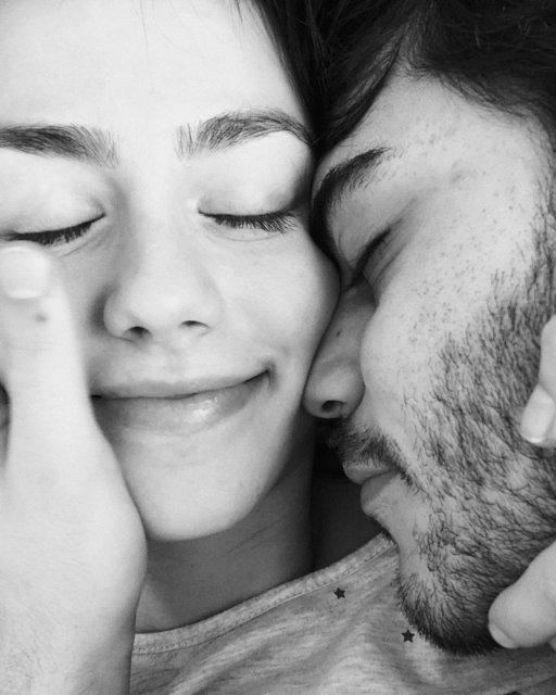 Ünlü çiftlerin aşk dolu paylaşımları - Magazin haberleri