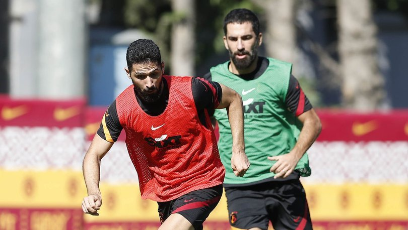 Sarrachi ve Emre Akbaba takıma birlikte çalıştı