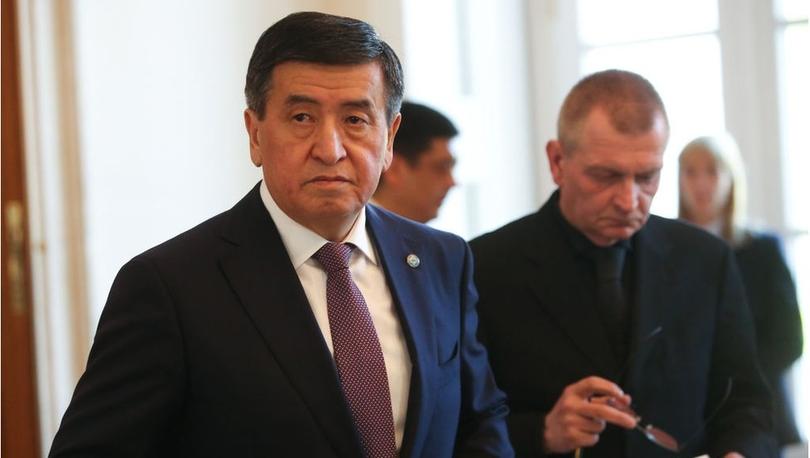 Sooranbay Ceenbekov: Kırgızistan Cumhurbaşkanı, 'Halkına ateş eden başkan olarak hatırlanmak istemiyorum' diyerek istifa etti