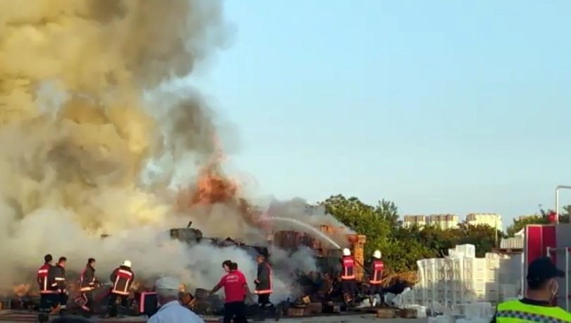 Fabrika bahçesinde korkutan yangın!