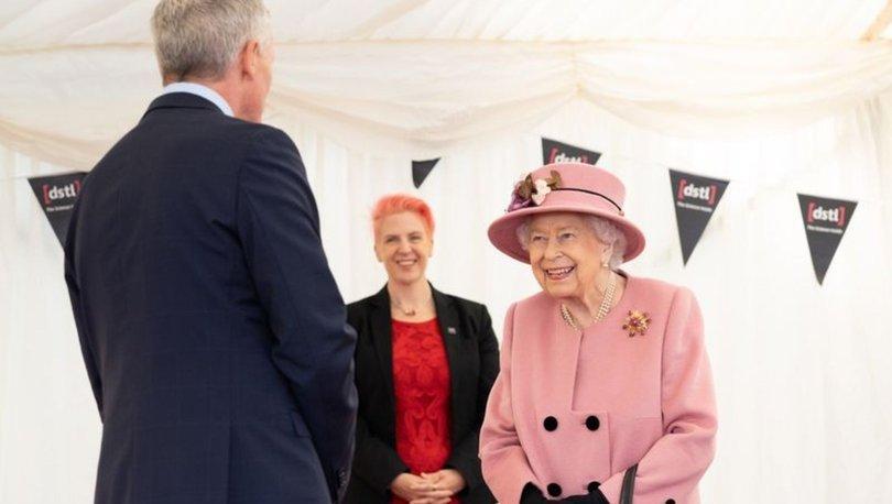 Kraliçe Elizabeth'ten 7 ay sonra ilk ziyaret