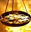 Altın fiyatları ile ilgili son durum hafta sonu da yatırımcıların gündeminde. Altın fiyatları için dün yurt içi piyasalarda son işlem günüydü. Ancak hafta sonu uluslararası piyasalarda işlem görmeye devam ediyor. İşte 17 Ekim güncel gram altın, çeyrek altın fiyatları