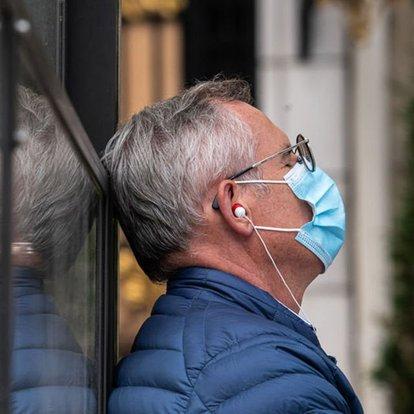 Fransada Kovid-19 günlük vaka sayısındaki rekor artışlar devam ediyor
