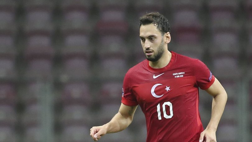 Hakan Çalhanoğlu'ndan Galatasaray açıklaması