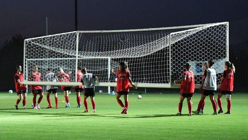 A Milli Kadın Futbol Takımı'nın Antalya kampı sürüyor