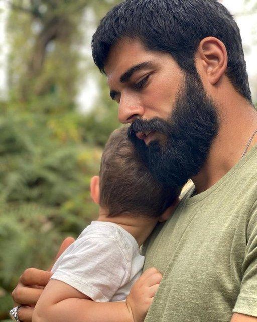 Fahriye Evcen'den Karan'lı pozlar: Bizimkisi bir aşk hikayesi - Magazin haberleri