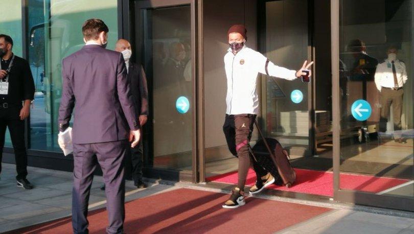 Medipol Başakşehir'in rakibi Paris Saint-Germain, İstanbul'a geldi