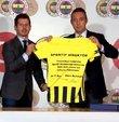 Son dakika haberine göre; Fenerbahçe Başkanı Ali Koç ile sarı-lacivertli kulübün sportif direktörü Emre Belözoğlu, basın toplantısı düzenliyor