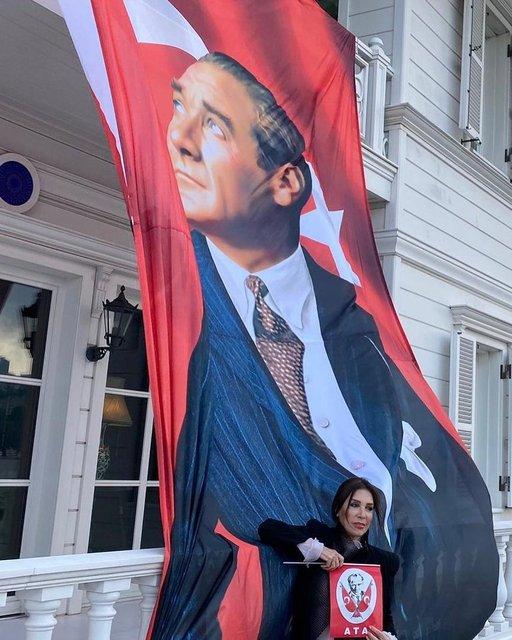 Ünlülerden 29 Ekim Cumhuriyet Bayramı paylaşımları - Magazin haberleri