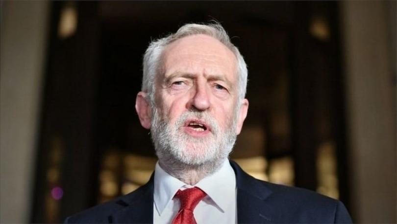İngiltere İşçi Partisi, eski lideri Jeremy Corbyn'in parti üyeliğini askıya aldı