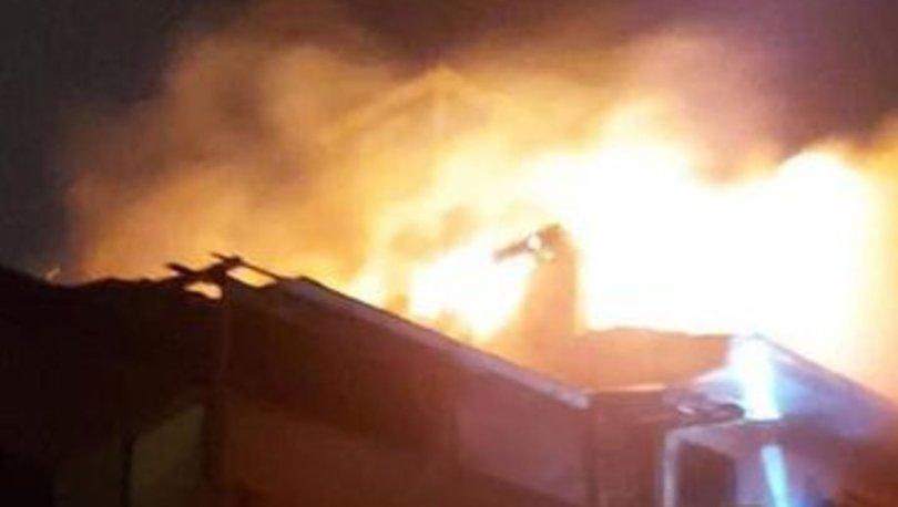 Zonguldak'ta çatı katı yangını: Anne öldü, oğlu ve 3 itfaiye eri yaralı