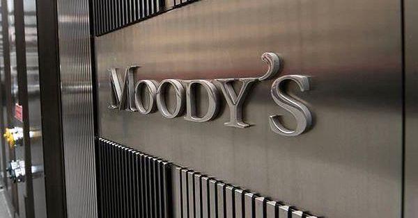 Moody's'den Yunanistan'ı sevindiren karar