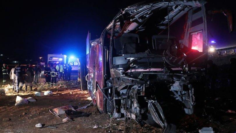 SON DAKİKA! Şanlıurfa'da Irak uyrukluları taşıyan yolcu otobüsü devrildi: Yaralılar var - haberler