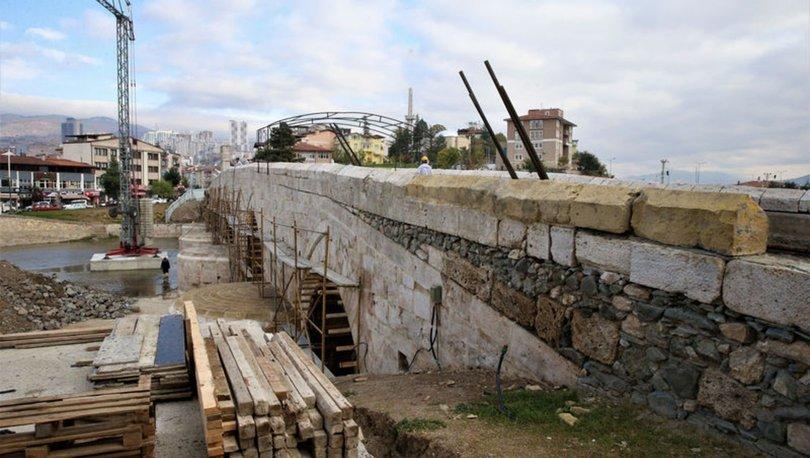 770 yıllık Selçuklu köprüsünün taşları ortaya çıktı