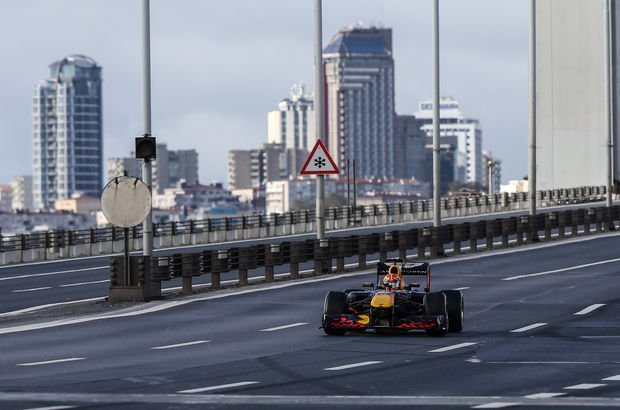 15 Temmuz Köprüsü'nde F1 rüzgarı