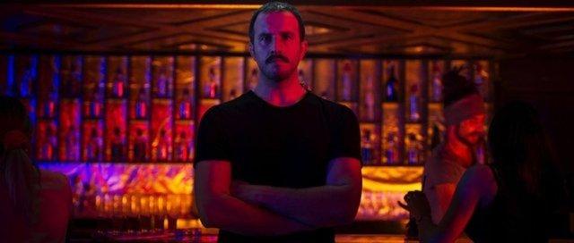 Bir Başkadır oyuncuları: Netflix Bir Başkadır dizisine Öykü Karayel damga vurdu!