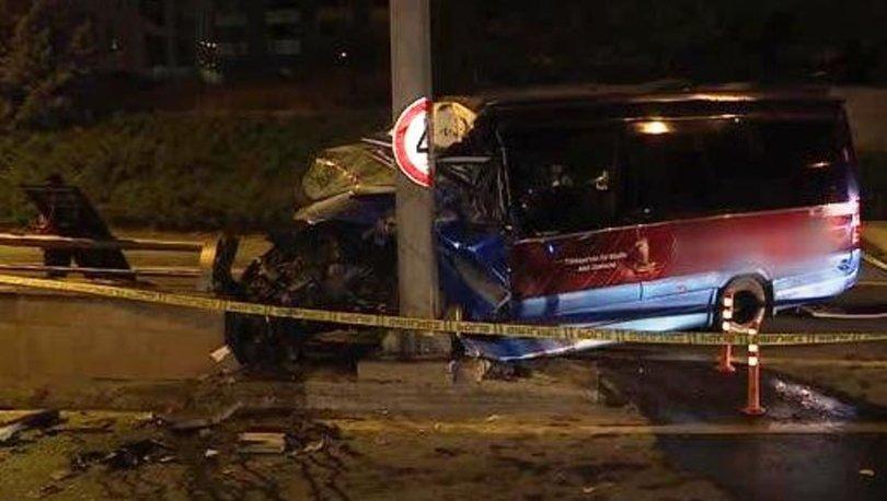 Başkent'te dolmuş direğe çarptı: 1 ölü, 1 yaralı