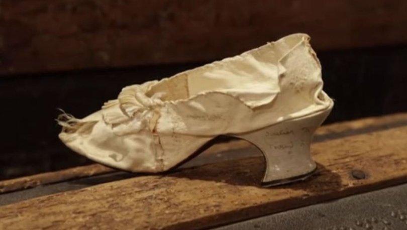 İdam edilmişti... Marie Antoinette'in ayakkabısı satıldı