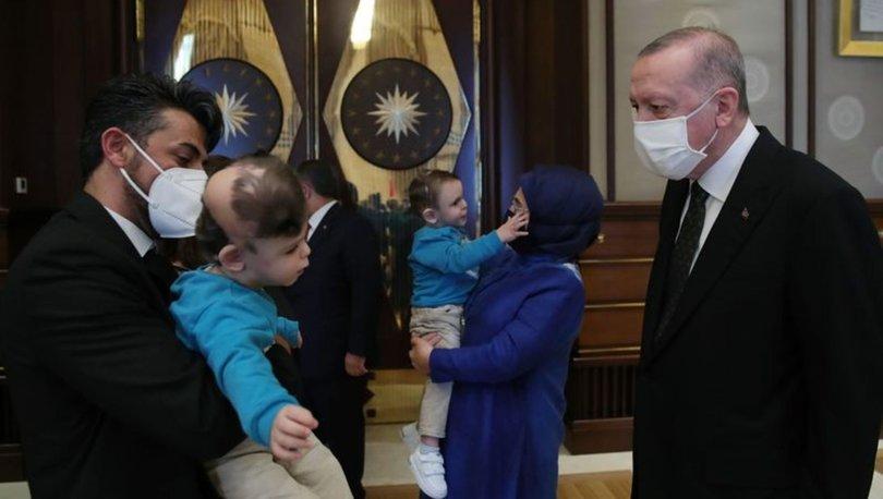 Cumhurbaşkanı Erdoğan Antalyalı siyam ikizleri ile ikizlerin doktorunu kabul etti