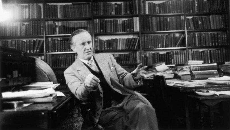 Tolkien'in kitaplaştırılmış 'Orta Dünya' makaleleri Haziran 2021'de yayınlanacak!