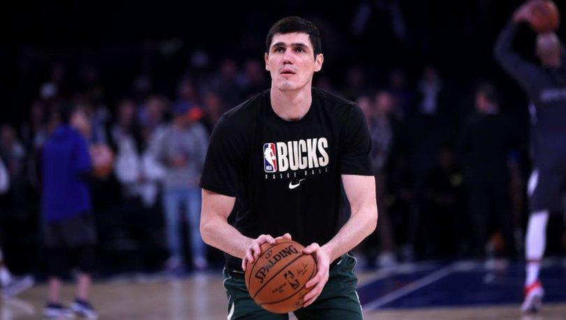 Milwaukee Bucks, Ersan İlyasova'yı serbest bıraktı