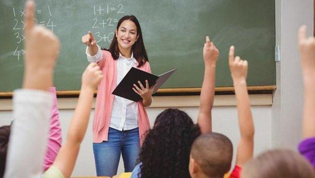 24 Kasım Öğretmenler günü şiirleri: En güzel resimli 2,3,4 kıtalık Öğretmenler Günü şiirleri burada